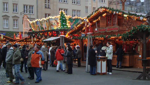 freizeit magdeburger weihnachtsmarkt auf dem alten markt. Black Bedroom Furniture Sets. Home Design Ideas