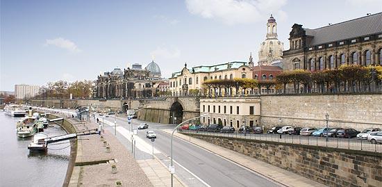 Sehenswertes Bruhlsche Terrasse Balkon Von Dresden